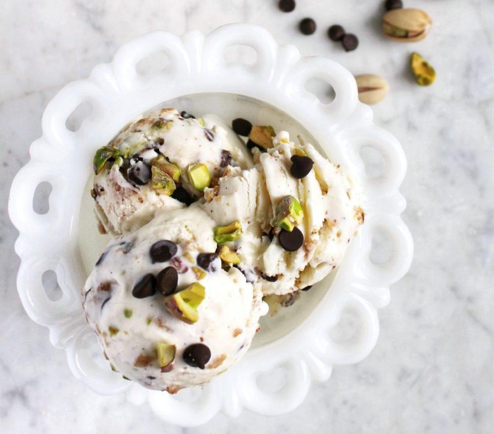 This homemade Cannoli Ice Cream combines the flavours of classic Italian Cannoli into a fabulous frozen treat. #frozentreat #icecream #cannoli