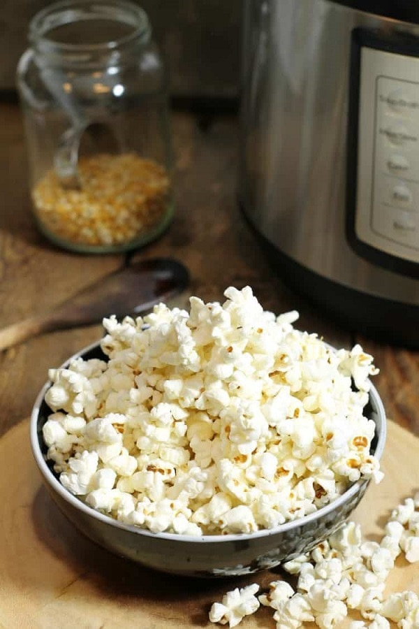 Dish'n' the Kitchen's 25 Beginner Instant Pot Recipes - Popcorn